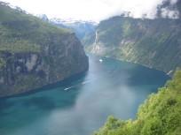 Гейрангер-фиорд, одно из красивейших мест на Земле, результат деятельности ледника
